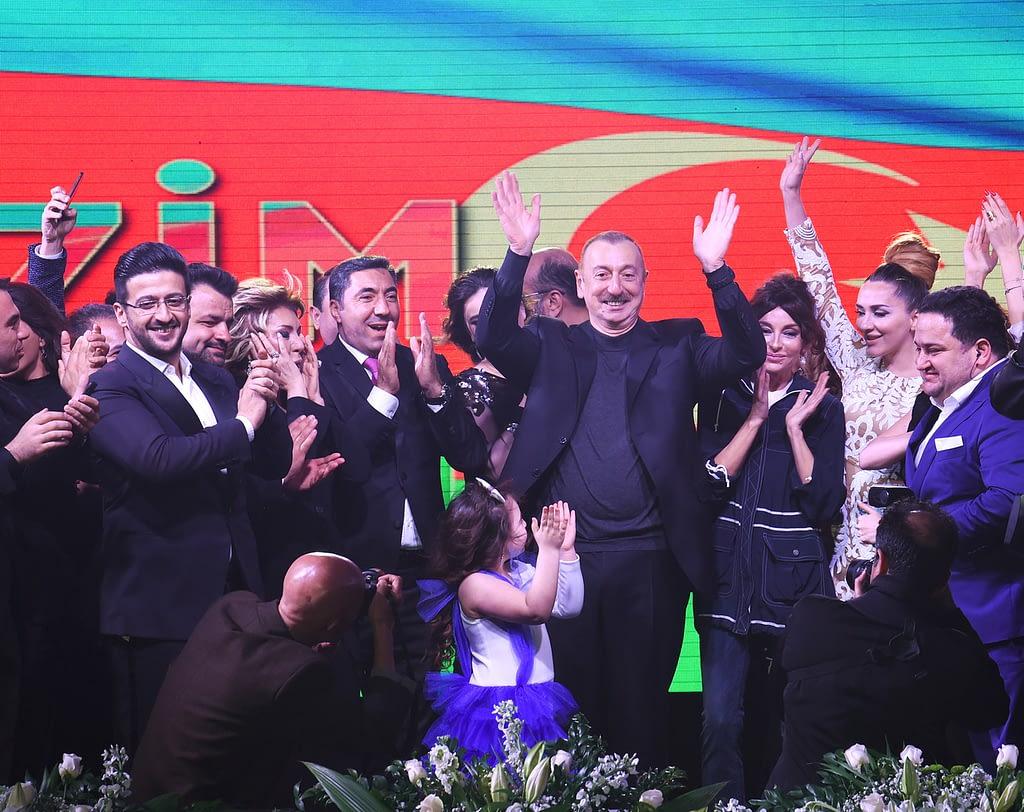 """Ilham Aliyev fête sa """"réélection"""" en 2018 avec 86% des voix (photo Wikimedia)"""