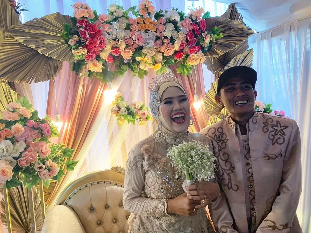 Mariés pendant la célébration